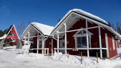Obiekt Santa Claus Holiday Village zimą