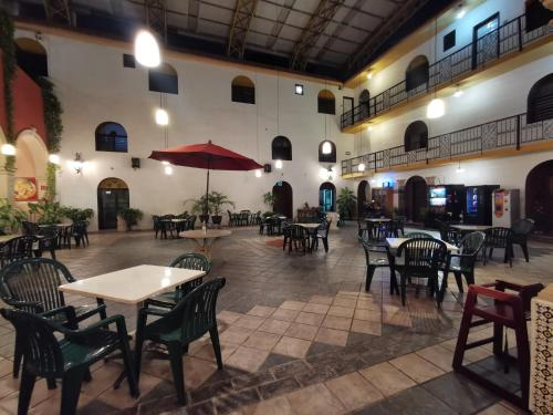 A restaurant or other place to eat at Hotel Doralba Inn