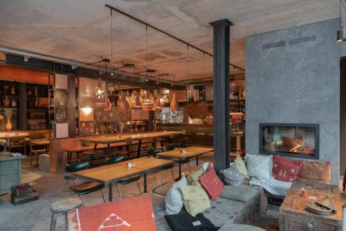 Ein Restaurant oder anderes Speiselokal in der Unterkunft CERVO Mountain Resort