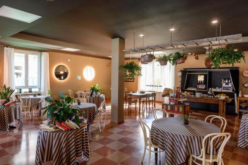 A restaurant or other place to eat at Hotel San Marco