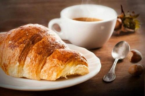 Breakfast options available to guests at Cullati dal mare Deluxe-b&b on board