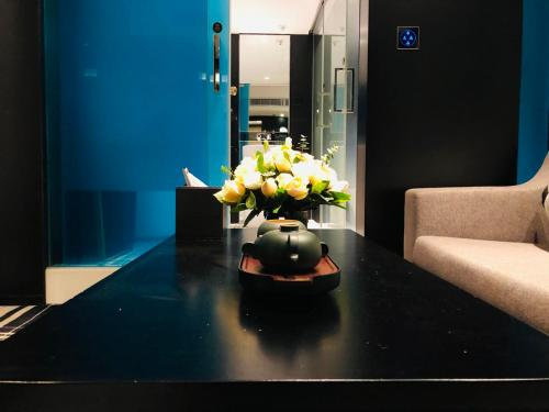 The lobby or reception area at Likto Hotel