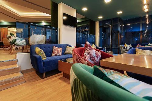 منطقة البار أو اللاونج في Phoenicia Tower Hotel And Spa