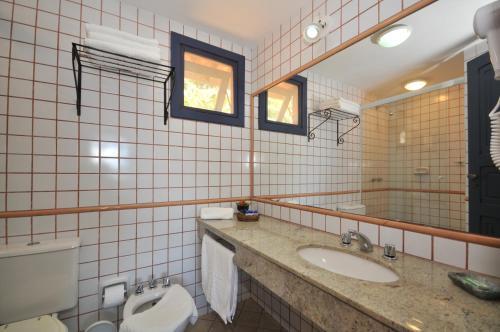 A bathroom at Aguazul Pousada Buzios