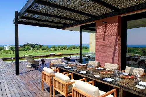 A restaurant or other place to eat at Verdura Resort