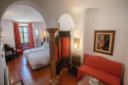 A seating area at Hotel Soho Boutique Palacio San Gabriel