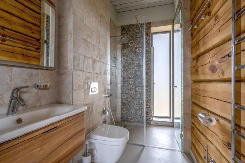 "A bathroom at Бутик-отель ""Усадьба Зеехоф"""