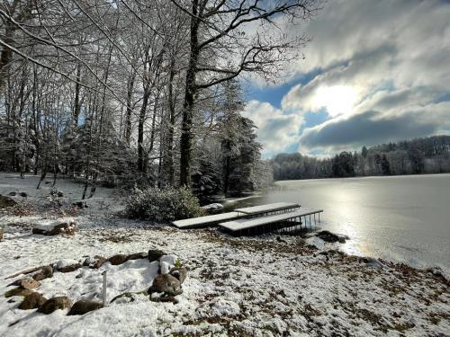 L'établissement Gîte du Mont Gérard en hiver