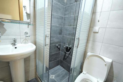 A bathroom at Mirabello Hotel