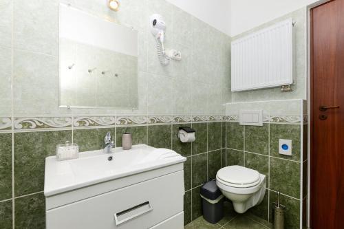 A bathroom at Anita