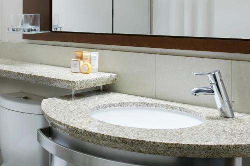A bathroom at Club Quarters Hotel, Wacker at Michigan
