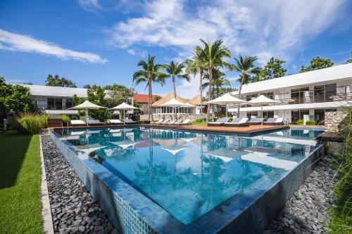 Бассейн в Putahracsa Hua Hin Resort или поблизости