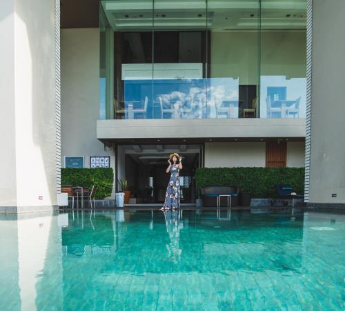 The swimming pool at or near Jasmine Resort Bangkok SHA Certified