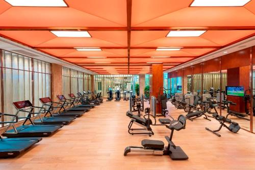The fitness center and/or fitness facilities at Mandarin Oriental Pudong, Shanghai