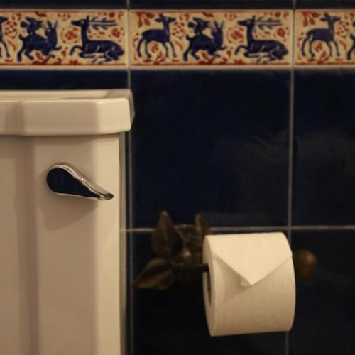 Uma casa de banho em Hotel Portofoz