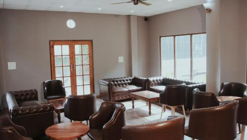 The lounge or bar area at Greystone Hotel