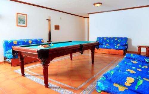 Een biljarttafel in Vip Villas - Caleta Dorada