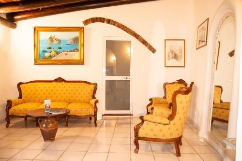 A seating area at Hotel Punto Azzurro