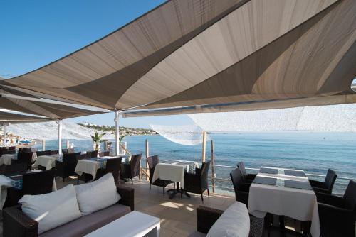 Εστιατόριο ή άλλο μέρος για φαγητό στο Alia Beach Hotel