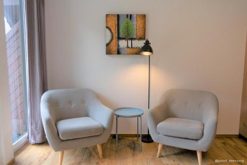 A seating area at B&B Haus Moselliebe