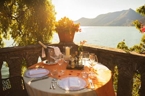 A restaurant or other place to eat at Relais Villa Porta