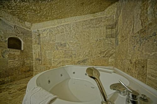 Spa and/or other wellness facilities at Emit Cave Hotel