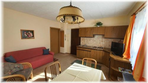Ein Sitzbereich in der Unterkunft Apartmenthaus Erna
