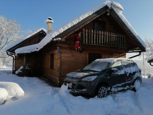 House Marijana during the winter
