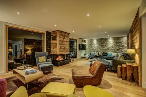 A seating area at Chalet Rubicon