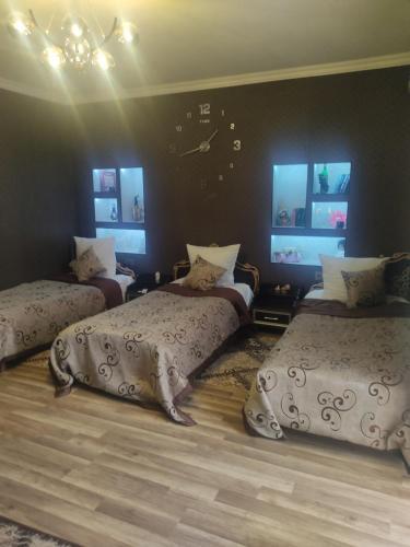 Cama ou camas em um quarto em Friends House