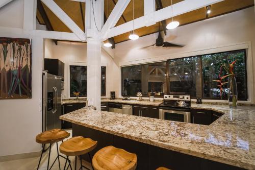 A kitchen or kitchenette at Tulemar Resort