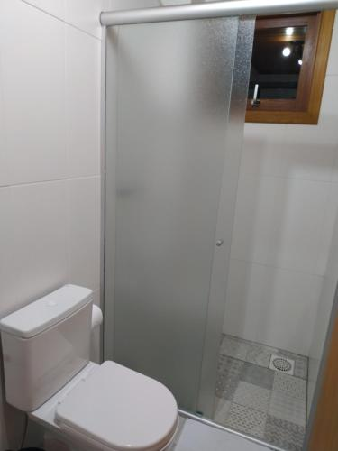 A bathroom at Casarão do Vale