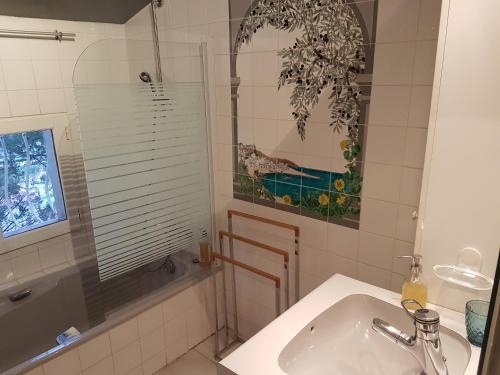 A bathroom at Le relais perché