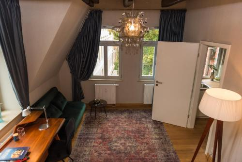 A television and/or entertainment center at Apartmenthaus am Dom