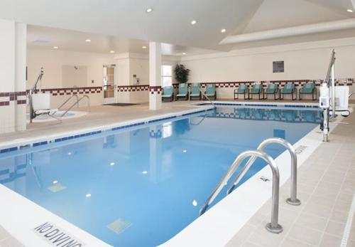 The swimming pool at or near Residence Inn Holland