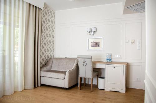 A seating area at Hotel Villa Baltica