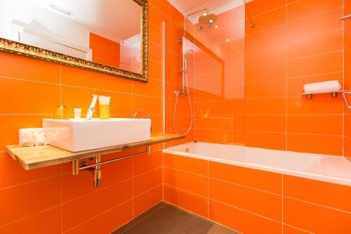 A bathroom at Violeta Boutique