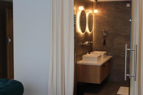 Łazienka w obiekcie Hotel Echo