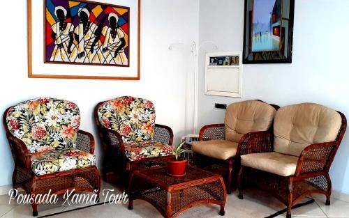A seating area at Pousada Xamã Tour