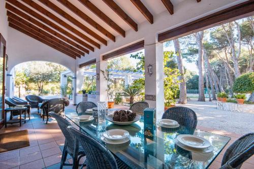 Un restaurante o sitio para comer en Rota Esperanza