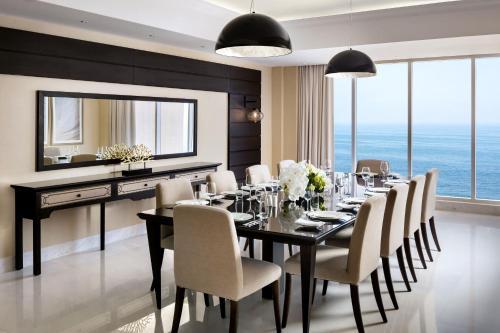 Ресторан / где поесть в Fairmont Fujairah Beach Resort