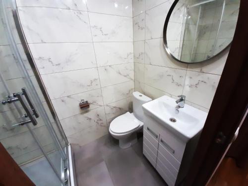 Ванная комната в AllisHotel