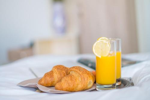 Breakfast options available to guests at Hotel Villa Vrsar
