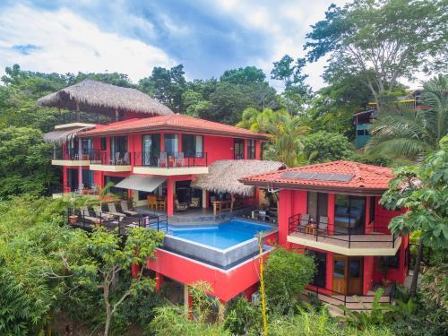 Vista de la piscina de Vista Oceana, Panoramic Oceanview Villa nearest to the Manuel Ant National Park o alrededores