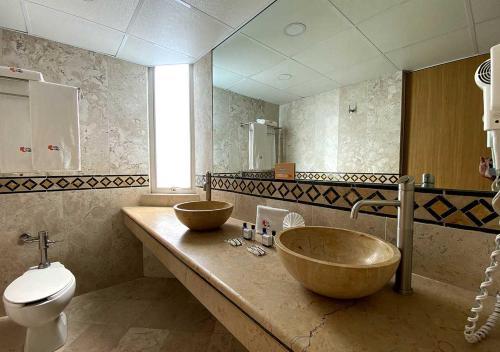 A bathroom at Hotel Lord