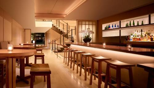 The lounge or bar area at Nobu Hotel Palo Alto