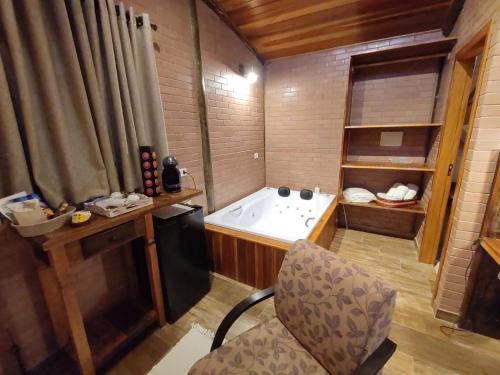 A bathroom at Pousada Recanto Primavera