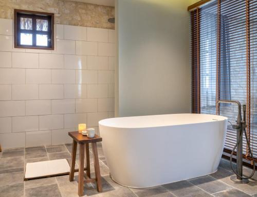 A bathroom at Topas Ecolodge