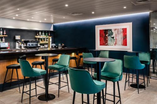 A restaurant or other place to eat at Hotel HC*** Mollet Barcelona