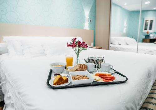 Breakfast options available to guests at Bourbon Convention Ibirapuera